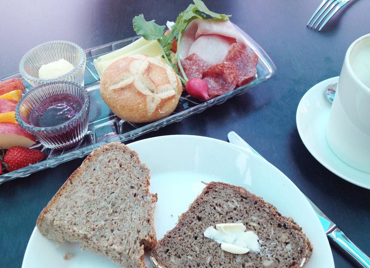 Frühstück für den mittelgroßen Hunger