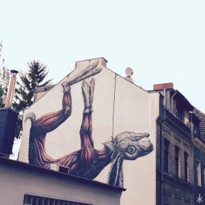 Streetart mit bisschen totem Hasen in Köln