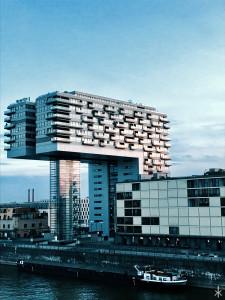 Moderne Bauten direkt am Rhein Hansawerft